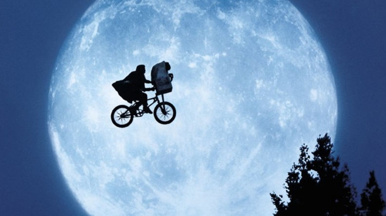 E-T-The-Extra-Terrestrial-et-the-extra-terrestrial-928616_1024_768